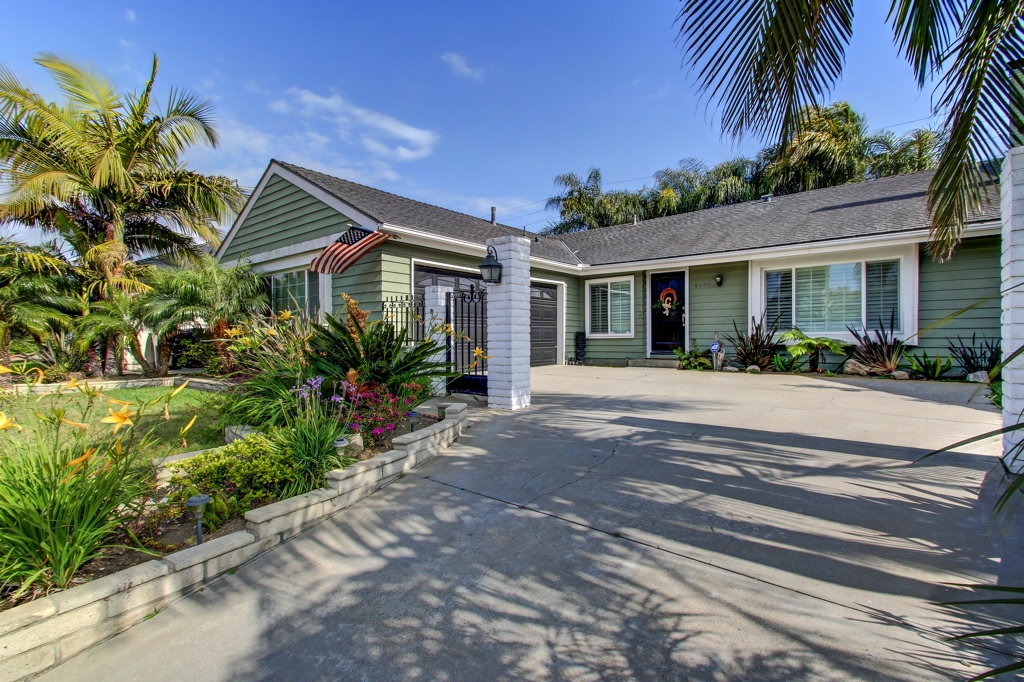 9322 pier dr HB 92646 zillow